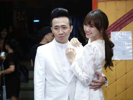 Tran Thanh va Hari Won to chuc dam cuoi vao 25/12? - Anh 1