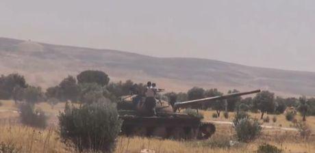 Quan doi Syria o at phan cong phe thanh chien o Hama - Anh 1
