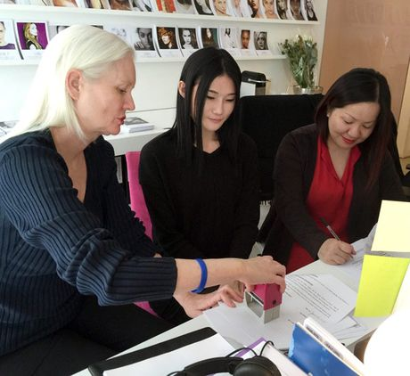 BeU Models to Kha My Van bi lam viec thieu chuyen nghiep, tu y bo show - Anh 1