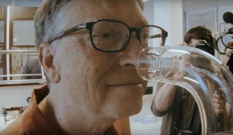 Bill Gates hop tac san xuat 'nuoc hoa' cho nha ve sinh - Anh 1