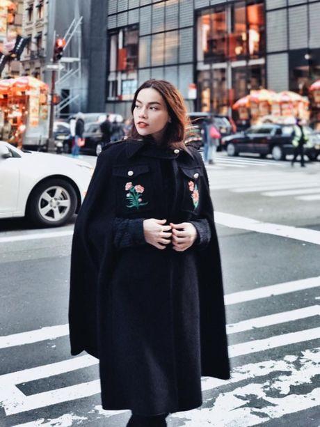 Ho Ngoc Ha om 'dai gia kim cuong' tren duong pho New York - Anh 4
