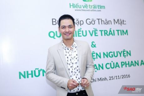 Chi Bao: 'Nhin Phan Anh moi thay lam nguoi noi tieng kho lam' - Anh 1