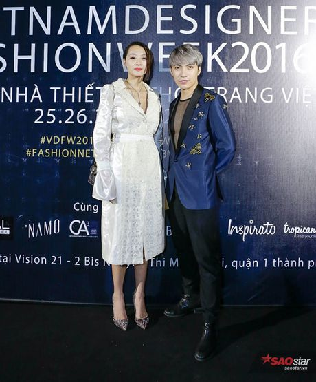 #day1: Kelbin Lei dien tui GucciGhost, Xuan Lan cung Do Manh Cuong an tuong tai tham do VDFW - Anh 9