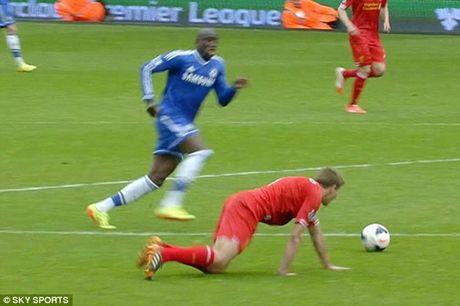 19 nam dinh cao, nhung chiec Cup va khoanh khac dieu ky: Cam on anh, Steven Gerrard! - Anh 8