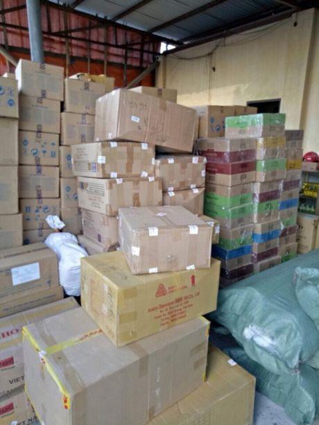 Ninh Binh: Bat xe container cho lo hang lau tri gia hon 1,3 ti dong - Anh 1