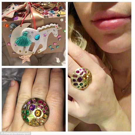 Miley Cyrus nhan 'nhan khung' tu Liam Hemsworth - Anh 1