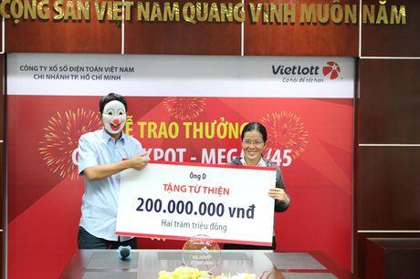 Nguoi trung so doc dac 56 ti den tu Vung Tau - Anh 1