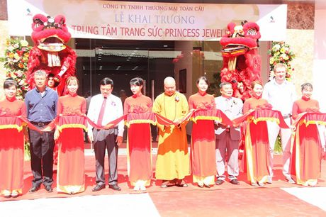 Khai truong Trung tam trang suc Princess Jewelry tai Nha Trang - Anh 1