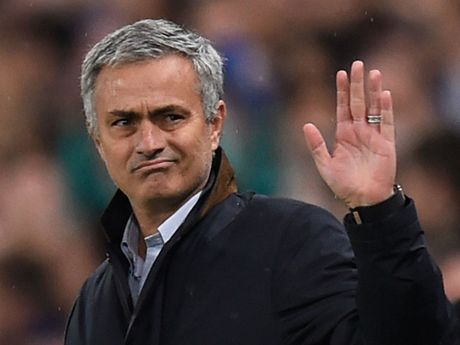Man United CHINH THUC gia han hop dong voi Ibrahimovic - Anh 3