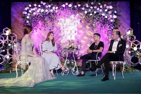 Khanh Thi lan dau len tieng ve viec 'say nang' Phan Hien va tinh yeu gap nhieu rao can - Anh 1