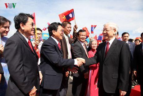 Tong Bi thu Nguyen Phu Trong noi chuyen tai DHQG Lao - Anh 1