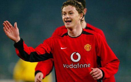 Rooney va top 10 chan sut vi dai nhat cua MU o cup chau Au - Anh 5