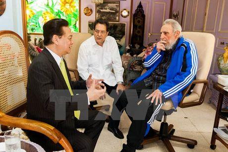Lanh tu Cuba Fidel Castro voi cac vi lanh dao Viet Nam - Anh 12