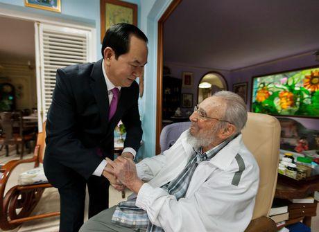 Lanh tu Cuba Fidel Castro voi cac vi lanh dao Viet Nam - Anh 13