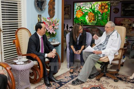 Lanh tu Cuba Fidel Castro voi cac vi lanh dao Viet Nam - Anh 14