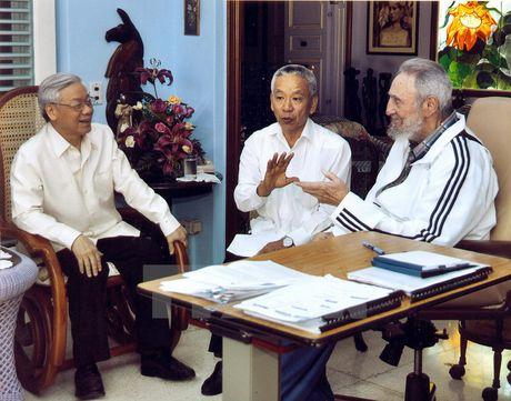 Lanh tu Cuba Fidel Castro voi cac vi lanh dao Viet Nam - Anh 1