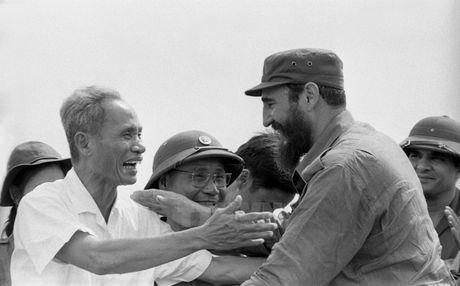 Lanh tu Cuba Fidel Castro voi cac vi lanh dao Viet Nam - Anh 2