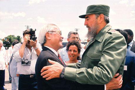 Lanh tu Cuba Fidel Castro voi cac vi lanh dao Viet Nam - Anh 5