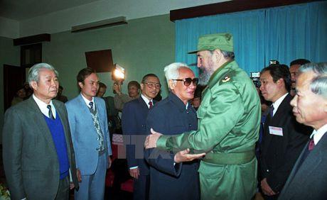 Lanh tu Cuba Fidel Castro voi cac vi lanh dao Viet Nam - Anh 7