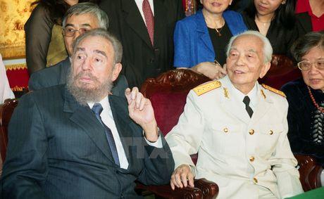 Lanh tu Cuba Fidel Castro voi cac vi lanh dao Viet Nam - Anh 8
