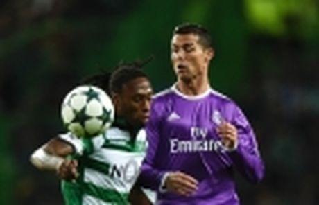 Nong: Dua ban gai ve nha, Ronaldo tinh chuyen tram nam - Anh 4