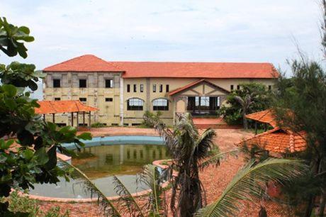 Ben trong nhung khu resort bo hoang o Viet Nam - Anh 3