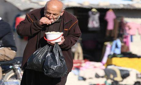 Tinh canh khon kho cua nguoi dan Aleppo trong chien tranh - Anh 6