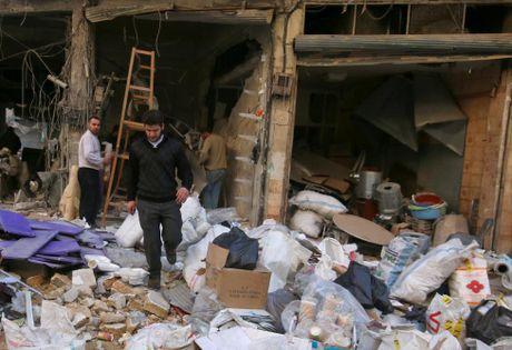 Tinh canh khon kho cua nguoi dan Aleppo trong chien tranh - Anh 9