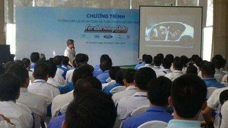 Chuong trinh dao tao Ford Driving Skills dien ra tai Tp. HCM - Anh 4