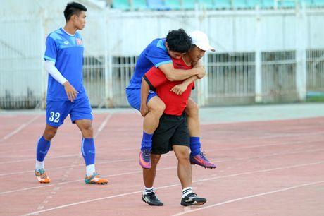 Viet Nam - Campuchia: Cho Cong Phuong 'choi bong tu nhien' - Anh 1