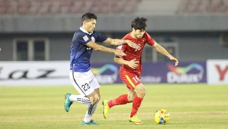 TRUC TIEP AFF Cup 2016: Dinh Luat bi phat the do - Anh 1