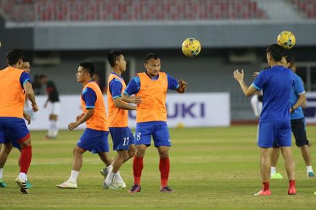 TRUC TIEP AFF Cup 2016: Dinh Luat bi phat the do - Anh 3