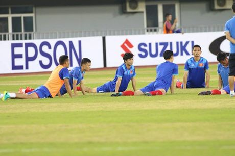 TRUC TIEP AFF Cup 2016: Dinh Luat bi phat the do - Anh 4