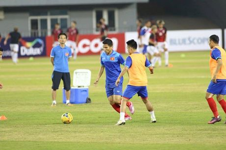TRUC TIEP AFF Cup 2016: Dinh Luat bi phat the do - Anh 5