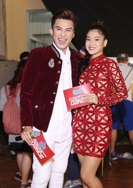 Thuy Tien duoc fan bi mat to chuc sinh nhat - Anh 10