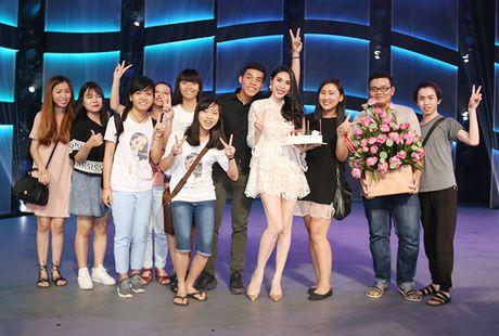 Thuy Tien duoc fan bi mat to chuc sinh nhat - Anh 5