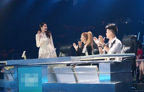 Thuy Tien duoc fan bi mat to chuc sinh nhat - Anh 6