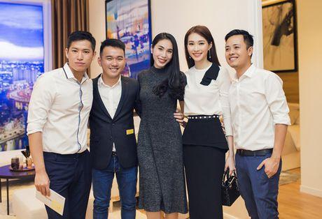 Thu Thao cong khai tinh tu voi ban trai dai gia trong su kien - Anh 6