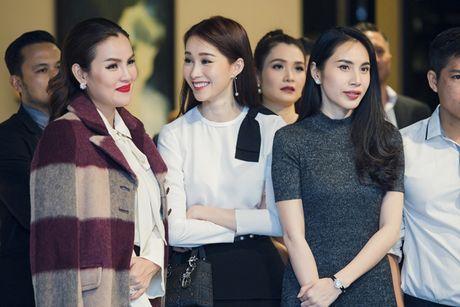 Thu Thao cong khai tinh tu voi ban trai dai gia trong su kien - Anh 7