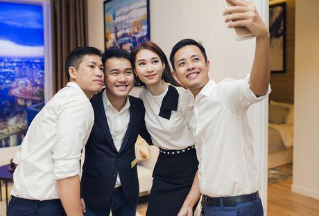 Thu Thao cong khai tinh tu voi ban trai dai gia trong su kien - Anh 8