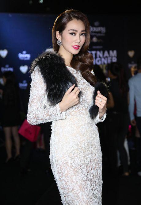 A hau Thuy Dung sac sao bat ngo, HH Jolie Nguyen nong bong - Anh 3