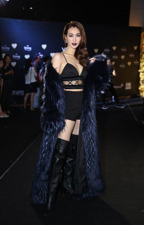 A hau Thuy Dung sac sao bat ngo, HH Jolie Nguyen nong bong - Anh 4