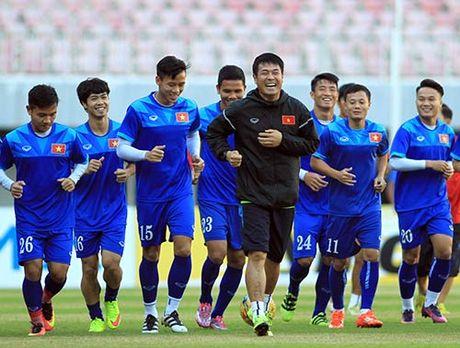 Tin nhanh AFF Cup 2016: DT Viet Nam chia quan ve TP.HCM - Anh 1
