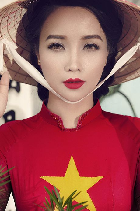 "Ba me 2 con Mai Thu Huyen ""that day lung ong"" kho tin o tuoi U40 - Anh 1"