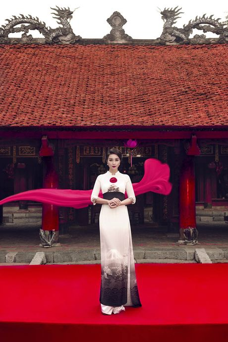 "Ba me 2 con Mai Thu Huyen ""that day lung ong"" kho tin o tuoi U40 - Anh 4"