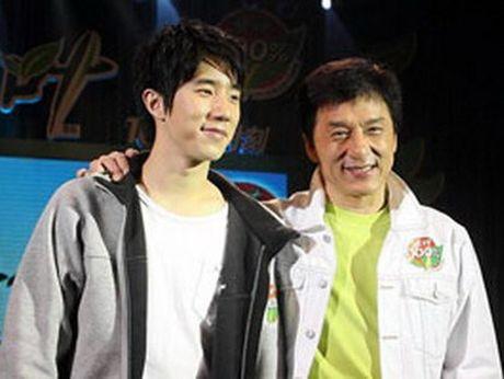 Thanh Long chi chia tai san 300 trieu do cho con trai, khong cho con gai - Anh 1