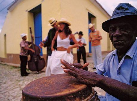 Den dat nuoc Cuba, thay tu hao vi minh la nguoi Viet! - Anh 6