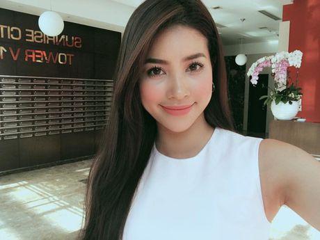 Pham Huong ngay cang tre trung voi nhung lan 'bien hoa' kieu toc - Anh 3