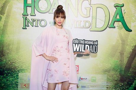 Pham Huong ngay cang tre trung voi nhung lan 'bien hoa' kieu toc - Anh 9
