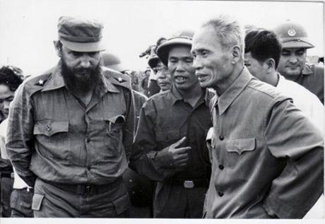 Nhung hinh anh khong the nao quen khi Fidel Castro den Viet Nam - Anh 6